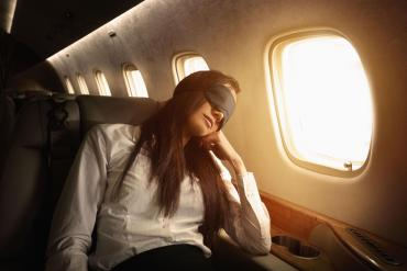 5 tips για να γίνει ο ύπνος στο αεροπλάνο παιχνιδάκι! - iTravelling.gr