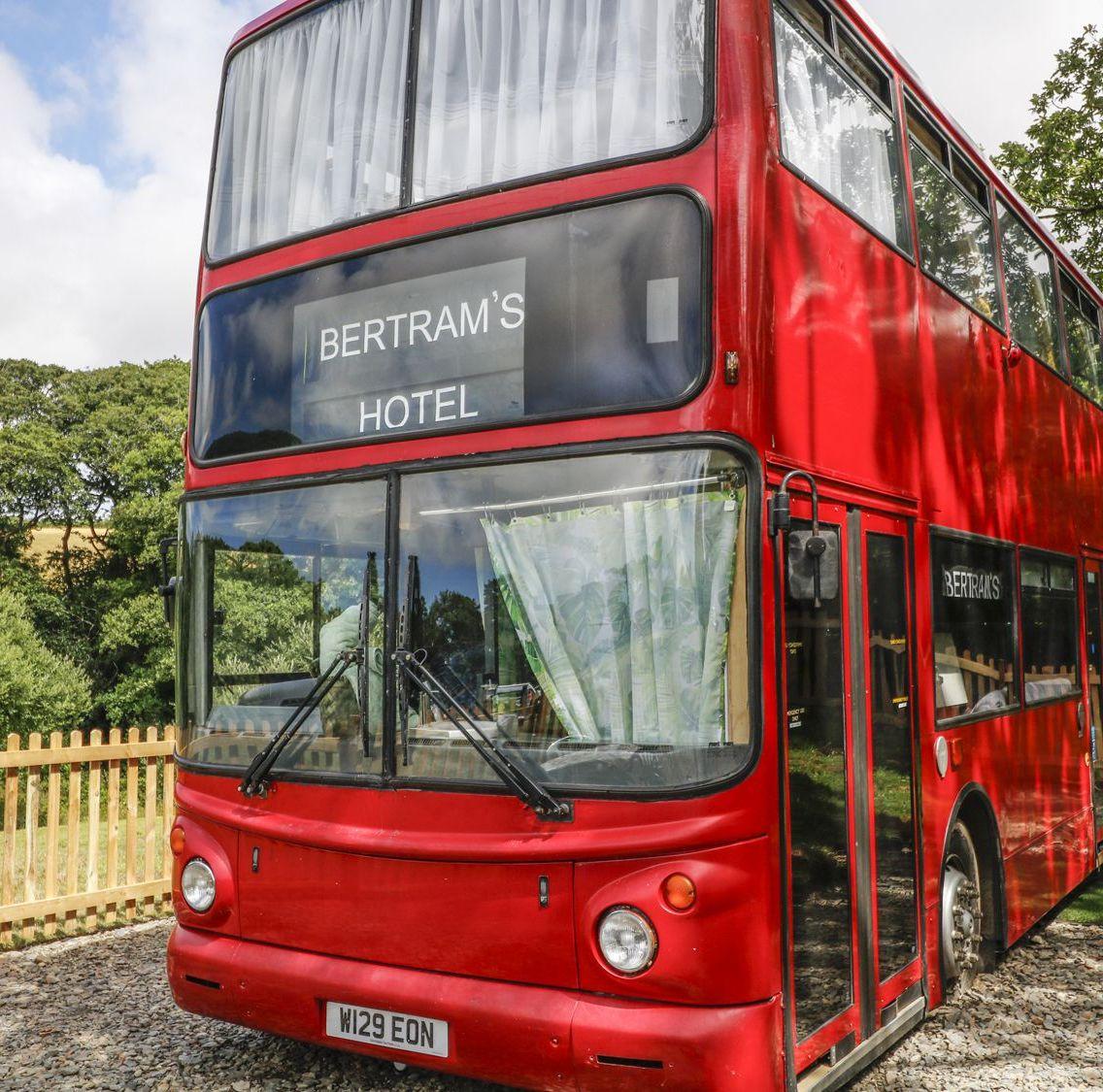 Bertram's Hotel: Διαμονή στο κόκκινο λεωφορείο της Αγγλίας - itravelling.gr