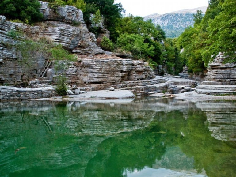 Οβίρες Ρογκοβού: Οι φυσικές πισίνες της Βόρειας Ελλάδας - itravelling.gr