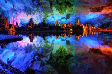 Reed Flute Cave: Το σπήλαιο των χρωμάτων στην Κίνα - itravelling.gr