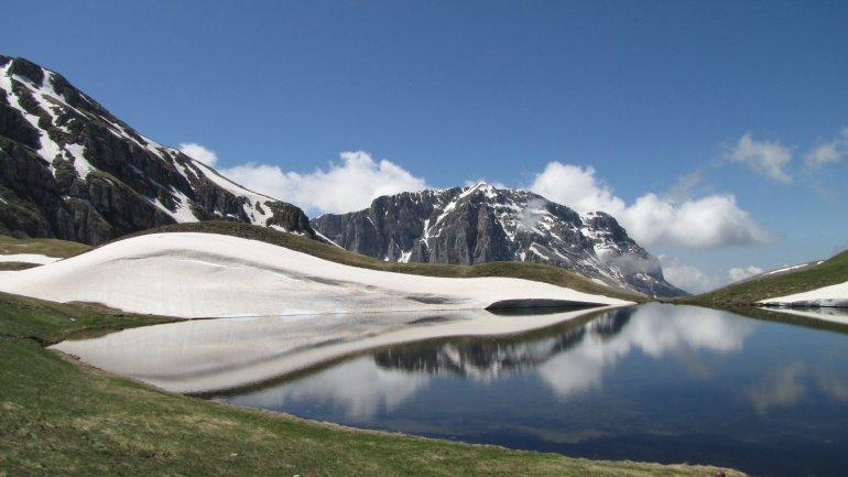 Δρακόλιμνη Τύμφης: Μια αλπική λίμνη στο Πάπιγκο γεμάτο με μύθους - itravelling.gr