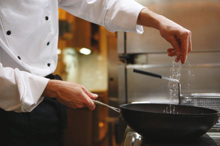 Dine Athens: Πάμε για γκουρμέ low budget κουζίνα στην Αθήνα - itravelling.gr