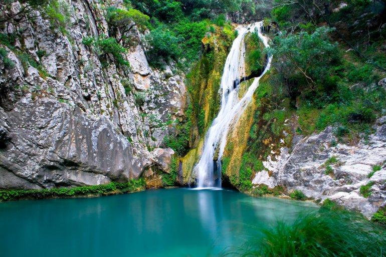 Πολυλίμνιο: Φεύγουμε για γαλάζια λίμνη της Πελοποννήσου! - itravelling.gr