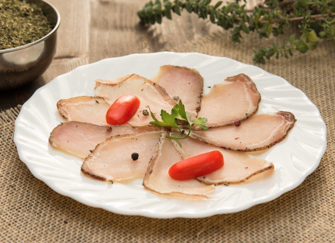 Τι να φάω στη Σαντορίνη: 10 πιάτα που πρέπει να δοκιμάσεις! - itravelling.gr