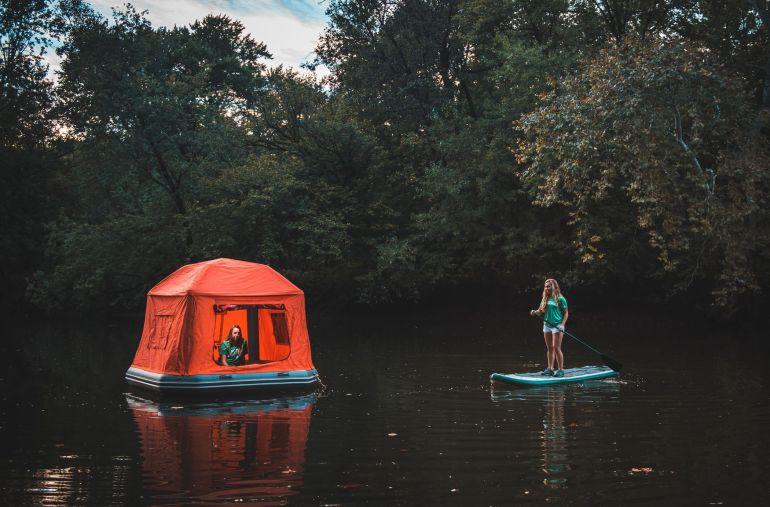 Shoal Tent: Για όσους θέλουν camping και πλωτή διαμονή! - itravelling.gr