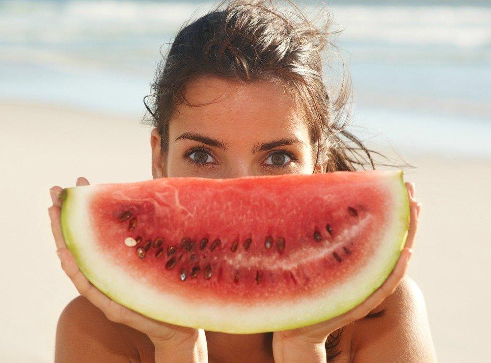 Αυτές οι τροφές θα γίνουν το «φυσικό» αντηλιακό σου - itravelling.gr