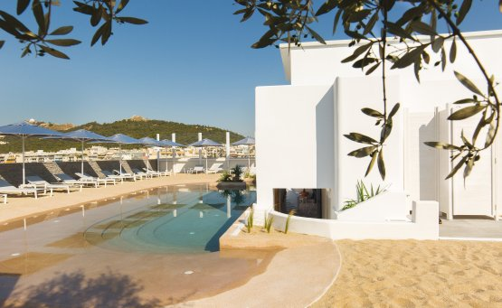 Mavili Beach: Πάμε στην παραλία της Μαβίλη γιατί το καλοκαίρι ποτέ δεν είναι αρκετό! - itravelling.gr