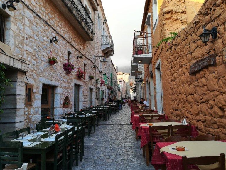 Για ρομαντική απόδραση στη Μάνη - itravelling.gr
