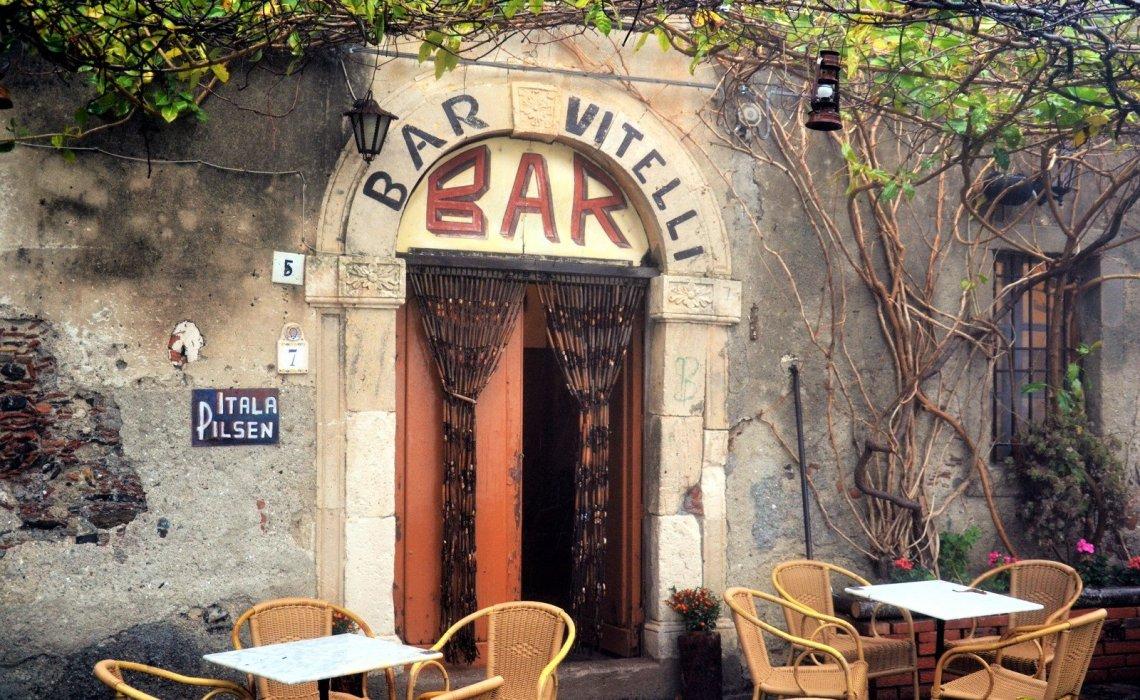 Bar Vitelli: Πάμε στο στέκι του Δον Κορλεόνε - itravelling.gr