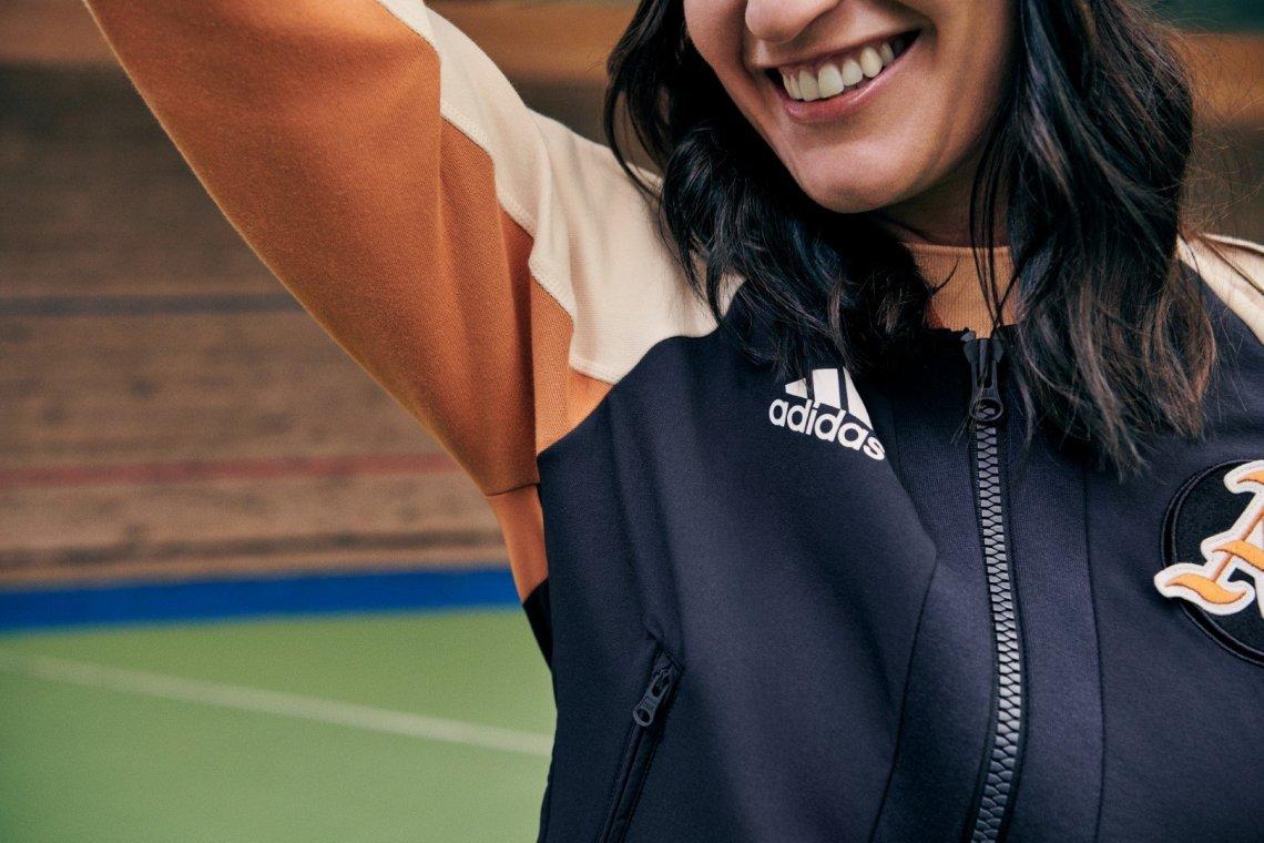 Δείξε το προσωπικό σου στυλ με το νέο κολεγιακό VRCT jacket της adidas - itravelling.gr