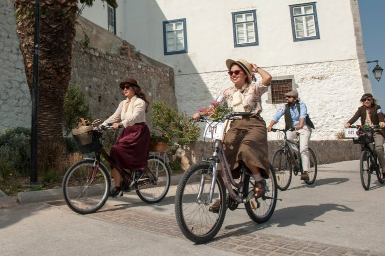 Tweed Run: Ένας ποδηλατόδρομος με vintage style στις Σπέτσες - itravelling.gr