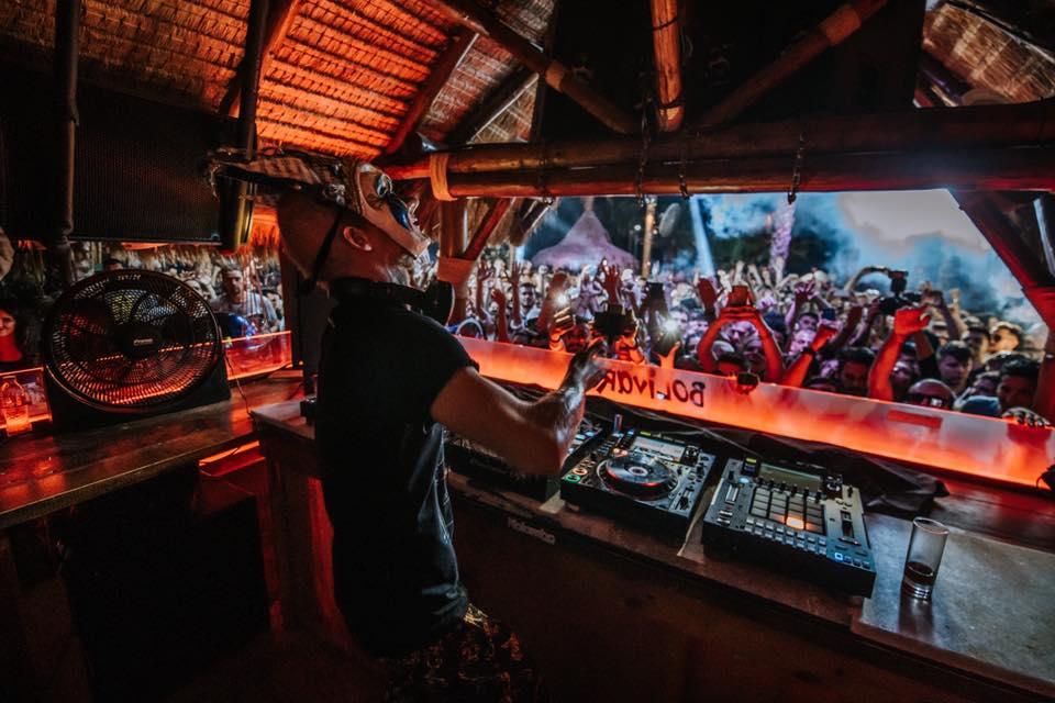 Bolivar Beach Bar: Ψήφισε για το αγαπημένο σου club για το 2019 - itravelling.gr