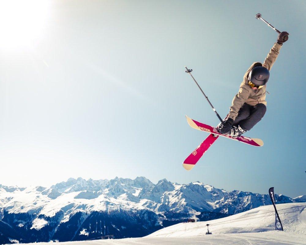Wellness trip στα λευκά: 3 χειμερινά σπορ για τις διακοπές σου! - itravelling.gr