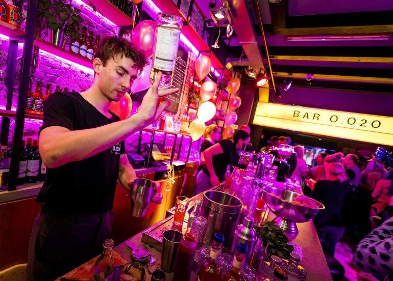 Το πρώτο pop-up μπαρ με ποτά χωρίς αλκοόλ άνοιξε στο πιο απίθανο μέρος! - itravelling.gr