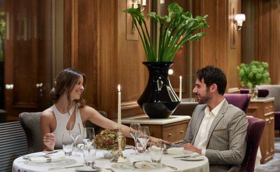 Μια αξέχαστη ρομαντική βραδιά στο The Parliament του NJV Athens Plaza - itravelling.gr
