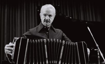 Cosmos: Το ΚΠΙΣΝ σε ρυθμούς tango με το Quinteto Αstor Piazzolla