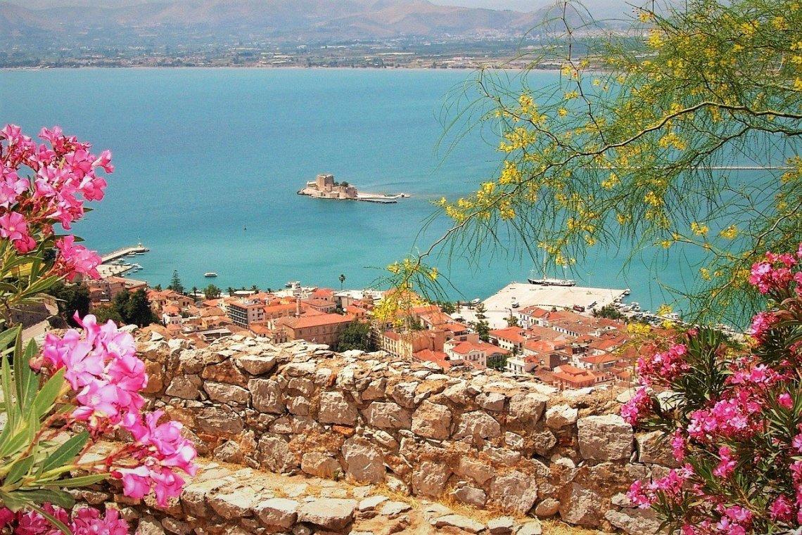 7 ανοιξιάτικοι προορισμοί στην Ελλάδα για τον Μάρτιο