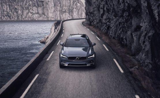 Volvo: Με όριο τελικής ταχύτητας όλα τα νέα της μοντέλα