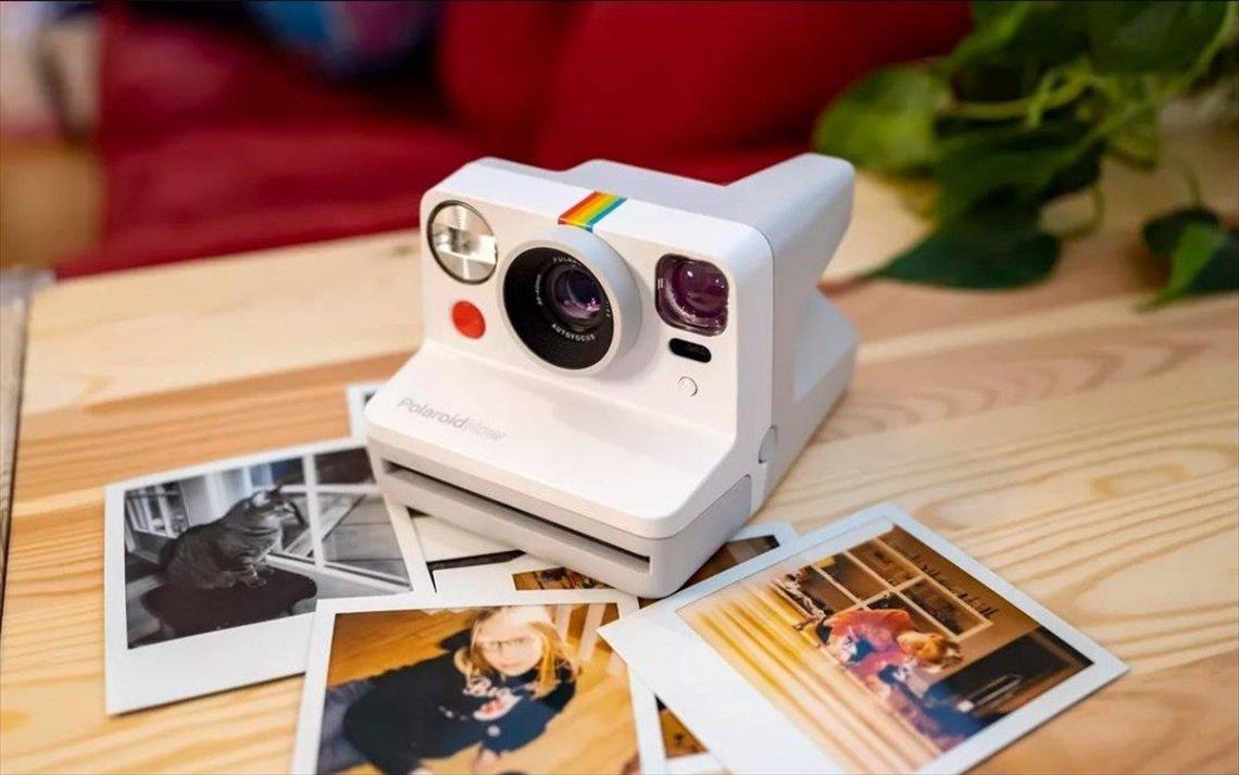 Αποτύπωσε κάθε καλοκαιρινή στιγμή με την Polaroid Now - itravelling.gr