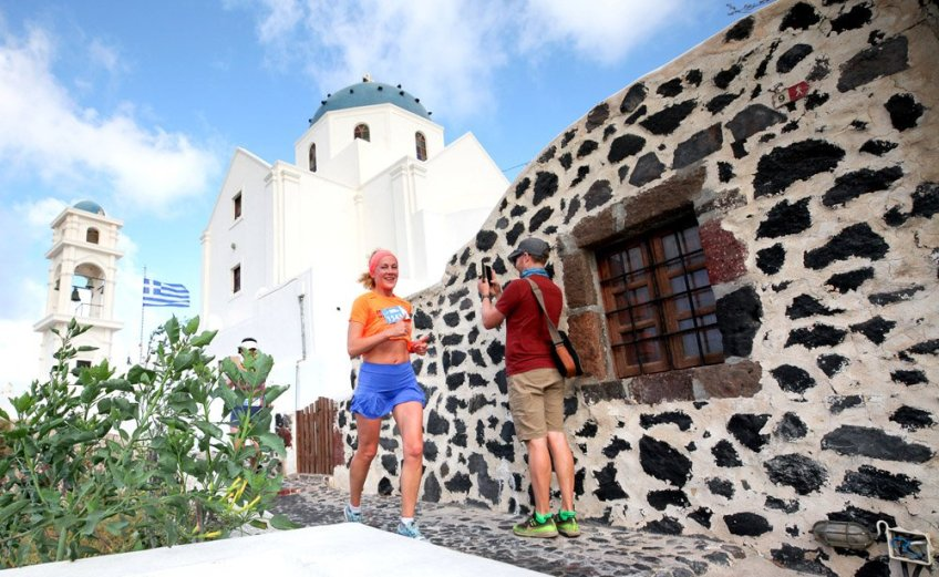 Santorini Experience: Τρέξιμο με θέα που κόβει την ανάσα - itravelling.gr