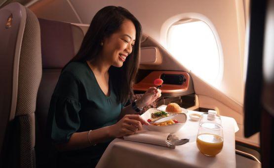 Πάμε για δείπνο στο jumbo αεροσκάφος της Singapore Airlines - itravelling.gr