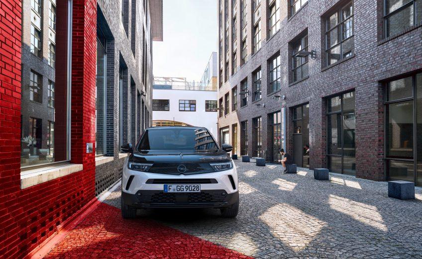 Το νέο Opel Mokka απλά δεν αστειεύεται!