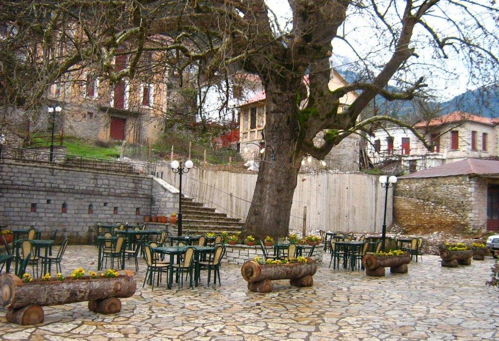 Ταξιδεύουμε στο Μεγάλο Χωριό και παίρνουμε γεύση από Καρπενήσι - itravelling.gr