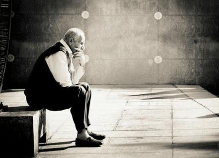 iTravelPoetry   Αγριεύει με τη μοναξιά ο άνθρωπος και ξεχνά…Λογοτεχνία,  φιλοσοφία, ψυχολογία, ταξίδια