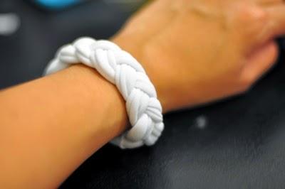 I Try DIY | CandyMagDotCom: Chunky T-Shirt Bracelet