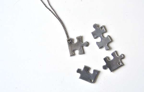 I Try DIY | Mollie Makes Slovakia: Jigsaw Puzzle BFF Necklace Pendant