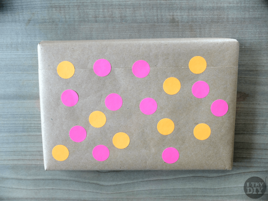 I Try DIY   It's A Wrap: Polka Dot Gift Wrapping