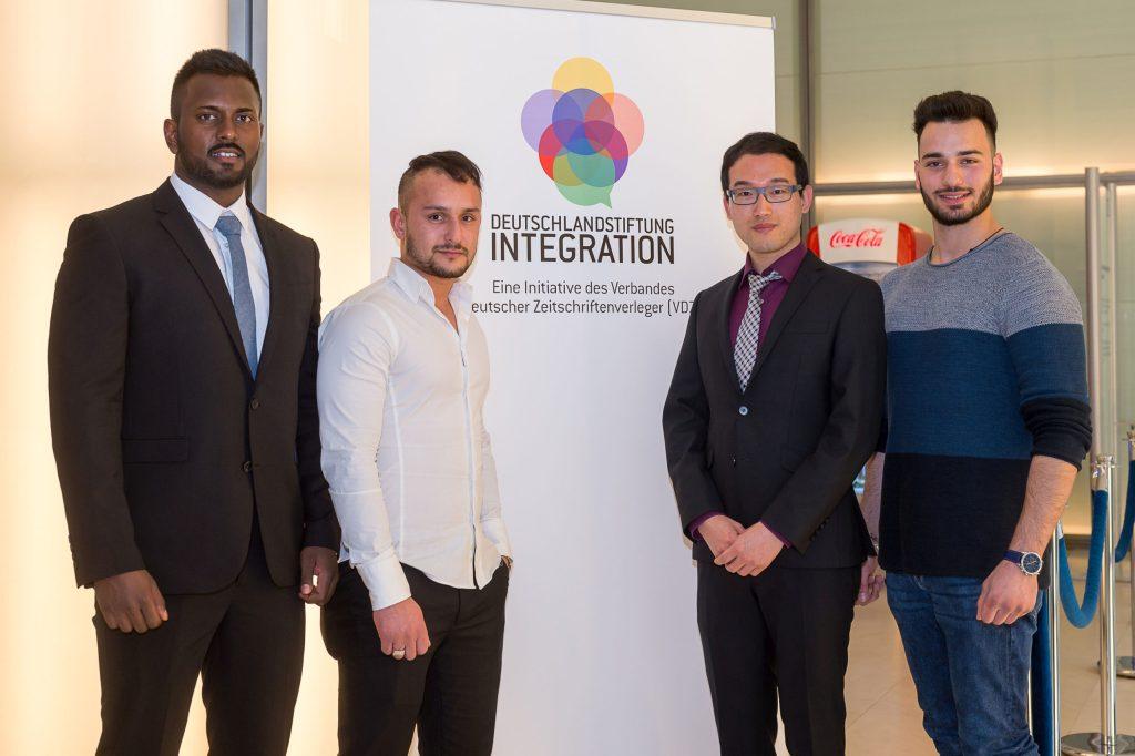 """Stipendiaten des Programms """"Geh deinen Weg"""" der Deutschlandstiftung Integration treffen sich regelmäßig zum Erfahrungsaustausch - Talente mit Migrationshintergrund"""