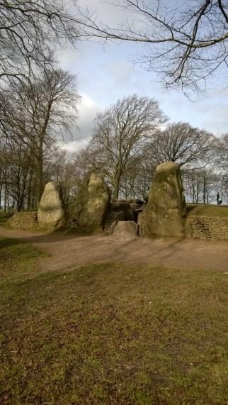 Waylands Smithy Chambered Tomb