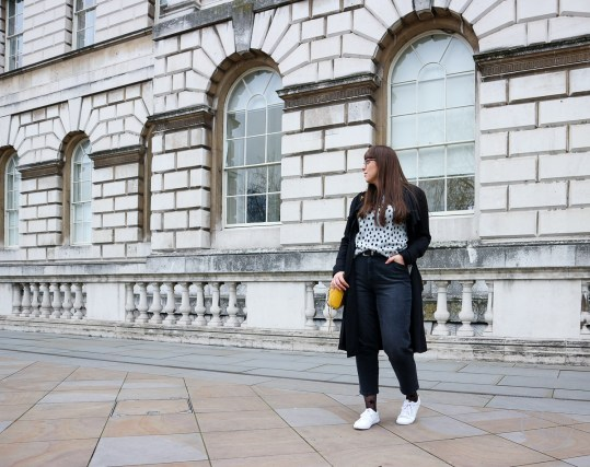 mom jeans, la redoute, jeans, denim, denim trends, fashionista barbie wears mom jeans, styling mom jeans, straight-leg jeans, white trainers, next, rebecca minkoff, fashion blogger, personal style