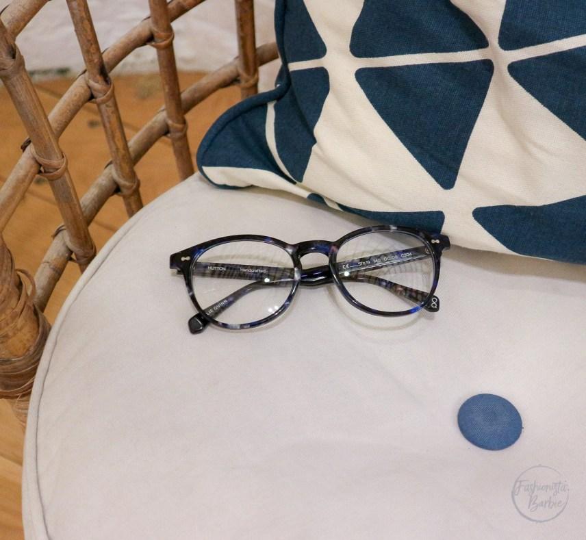 Ollie Quinn, OQstories, Ollie Quinn glasses, glasses, girl in glasses, fashionista barbie wearing glasses, specs
