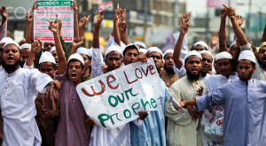 No, these are not actors. They really believe that God talked to Muhammad and dictated the hate-filled contents of the Koran to him.