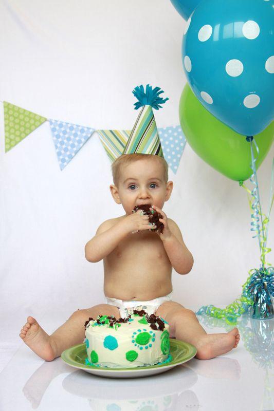 A baby boy cake smash photo