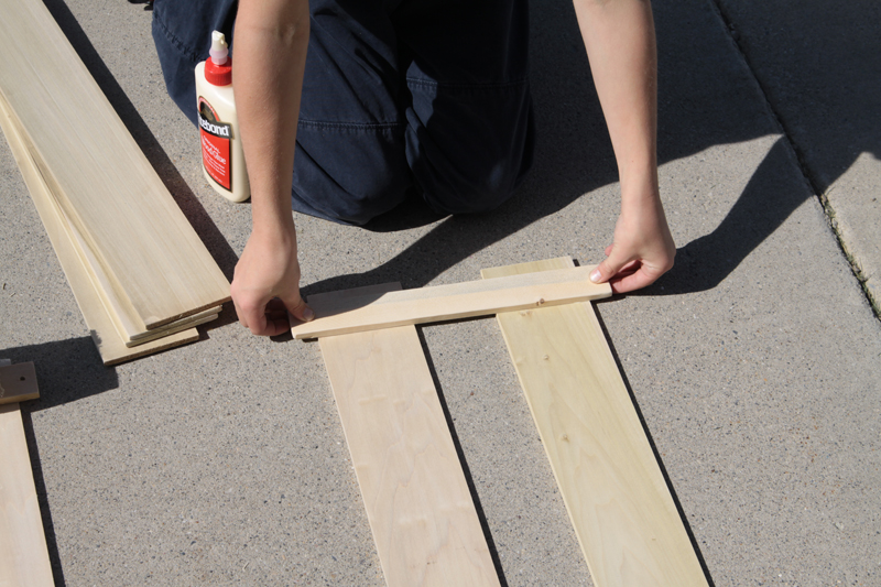 Gluing wood together