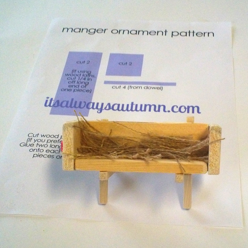 Wood manger ornament with printable pattern