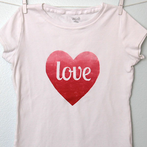 ombre heart tee {freezer paper stencil}