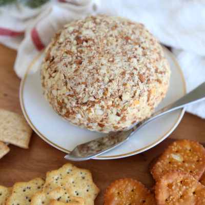 THE BEST Bacon Ranch Cheese Ball