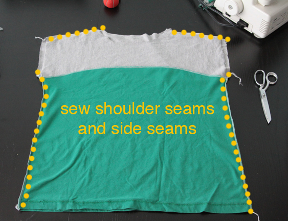 Colorblocked easy tee with shoulder seams and side seams marked