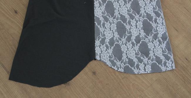 Curved hem of T-shirt