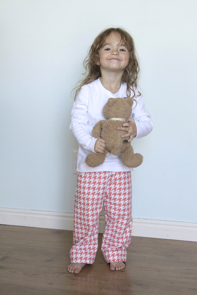 pajamas-kids-pjs-flannel-christmas-sewing