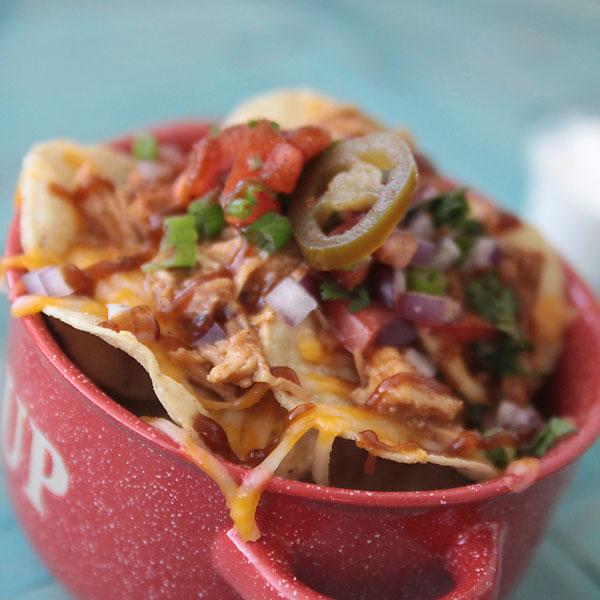 BBQ chicken nachos {great appetizer recipe}