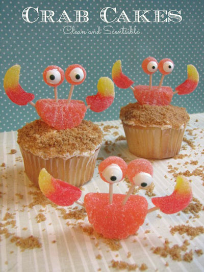 Cupcakes decorated to look like crabs - easy birthday cake idea