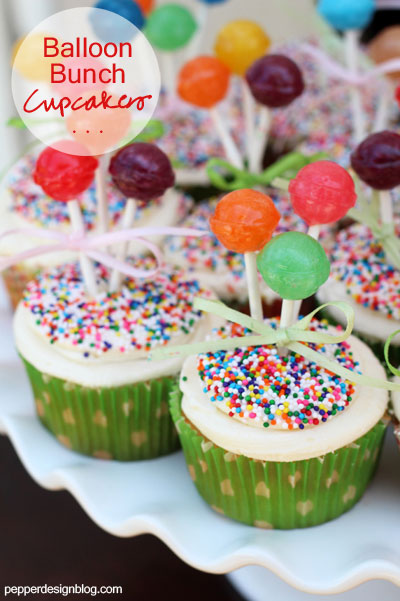 Cupcakes with suckers to looks like flowers