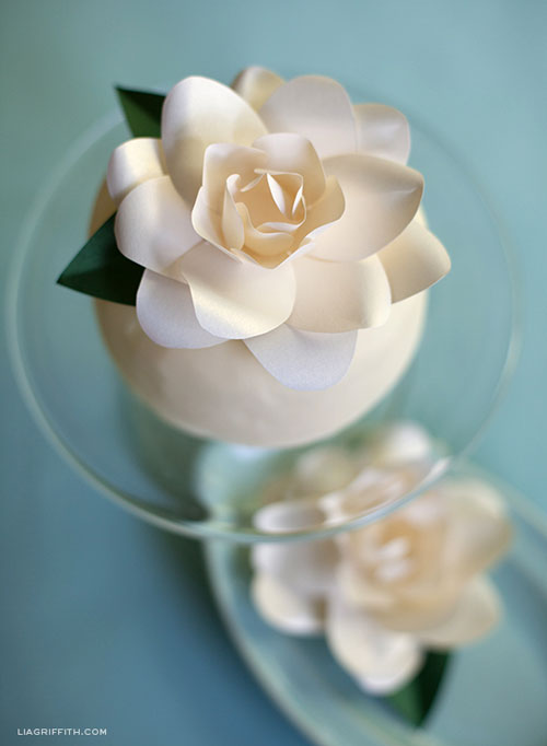 DIY paper flower gardenia