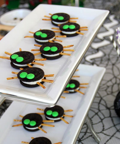 Oreos made to look like spiders for Halloween