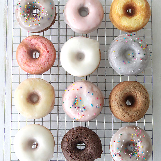 How to make mini donuts! {baked cake mix donuts recipe}